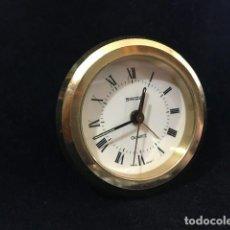 Despertadores antiguos: ELEGANTE RELOJ DESPERTADOR SUIZO DE VIAJE. Lote 205011272