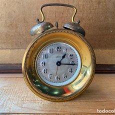Despertadores antiguos: CURIOSO RELOJ DESPERTADOR DE SOBREMESA. Lote 205827895