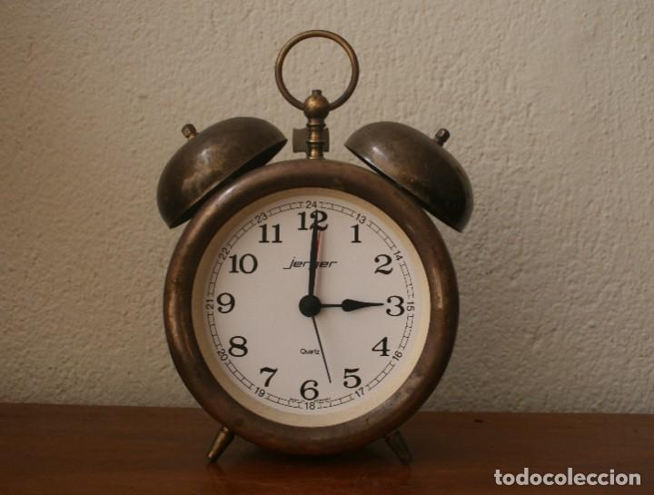 ANTIGUO RELOJ DESPERTADOR DE LATON CUARZO MARCA JERGER ALEMANIA AÑOS 60 FUNCIONANDO!!! (Relojes - Relojes Despertadores)