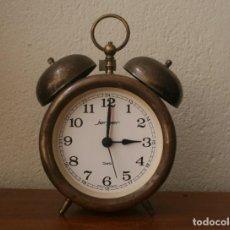 Despertadores antiguos: ANTIGUO RELOJ DESPERTADOR DE LATON CUARZO MARCA JERGER ALEMANIA AÑOS 60 FUNCIONANDO!!!. Lote 205874660
