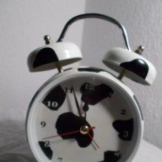 Despertadores antiguos: RELOJ DESPERTADOR AÑOS 90 IMPORTADO DE REINO UNIDO TIMBRE CON SONIDO DE VACA FUNCIONA. Lote 206189247