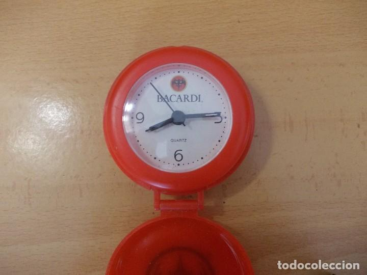 Despertadores antiguos: reloj despertador Bacardi - Foto 2 - 207125858