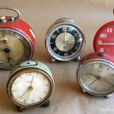 Despertadores antiguos: LOTE DE CINCO (5) DESPERTADORES PARA PIEZAS. Lote 208913810