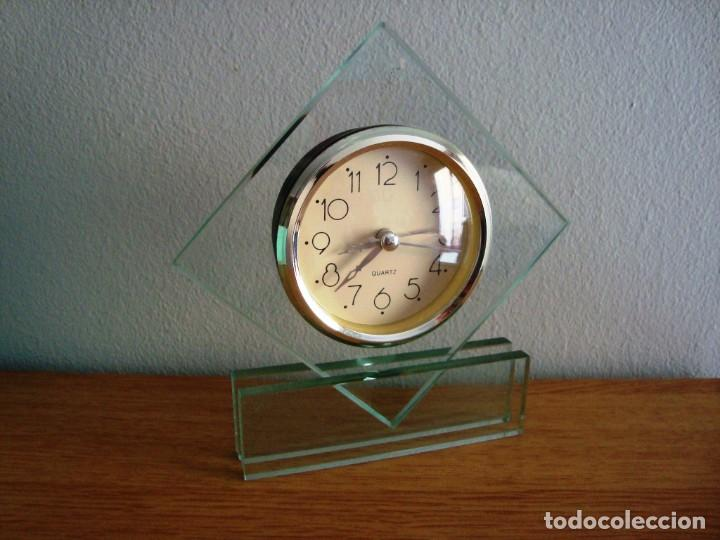 RELOJ DE CRISTAL QUARTZ CON ALARMA (Relojes - Relojes Despertadores)