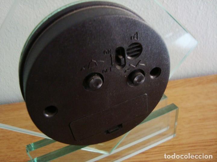 Despertadores antiguos: RELOJ DE CRISTAL QUARTZ CON ALARMA - Foto 3 - 209950121