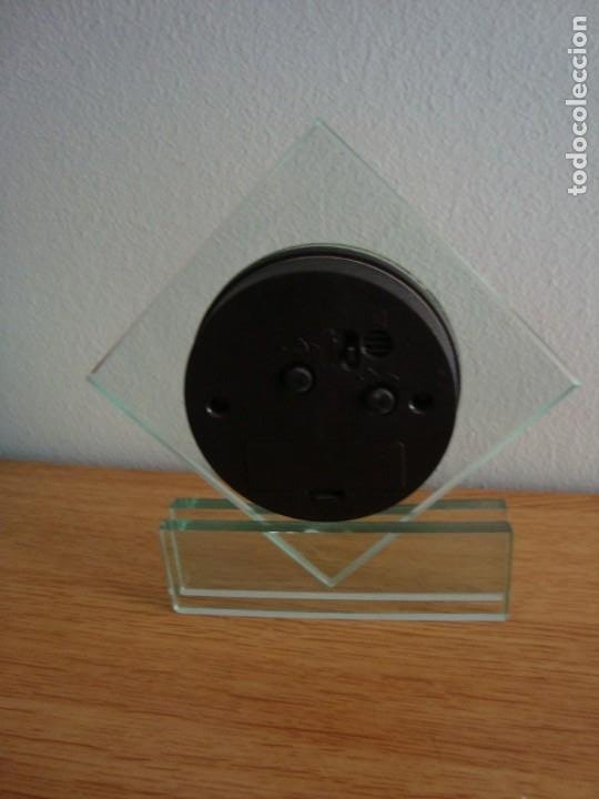 Despertadores antiguos: RELOJ DE CRISTAL QUARTZ CON ALARMA - Foto 5 - 209950121