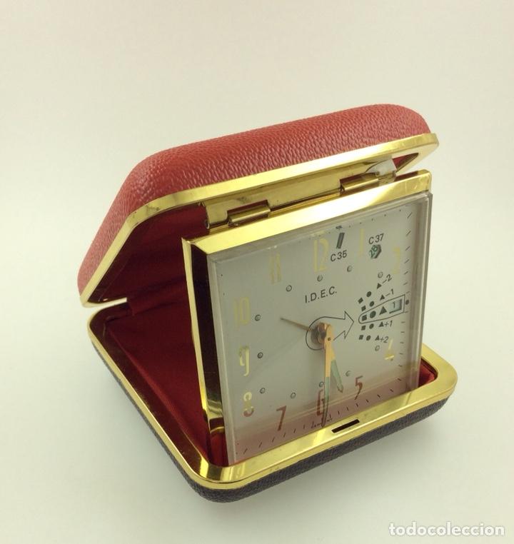 Despertadores antiguos: Reloj despertador Plegable Marca IDEC Vintage con calendario - Foto 4 - 210022823