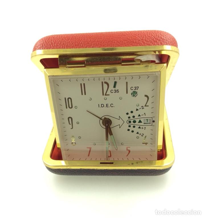 Despertadores antiguos: Reloj despertador Plegable Marca IDEC Vintage con calendario - Foto 5 - 210022823
