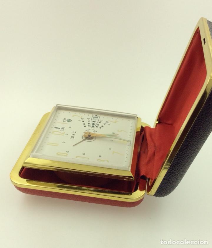 RELOJ DESPERTADOR PLEGABLE MARCA IDEC VINTAGE CON CALENDARIO (Relojes - Relojes Despertadores)