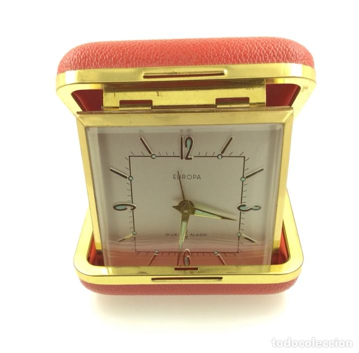 Despertadores antiguos: Antiguo despertador de Viaje plegable marca Europa - Foto 5 - 210022917