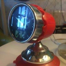 Despertadores antiguos: RELOJ SOBREMESA ESTILO VINTAGE EN PLASTICO Y METAL. Lote 210070907