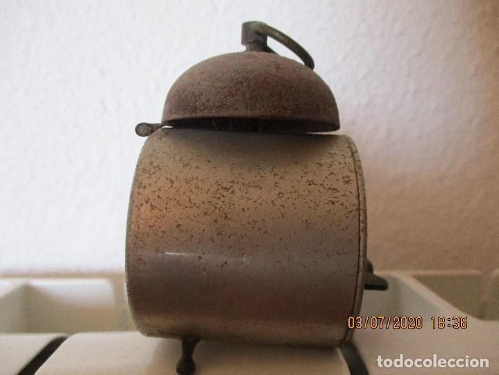 Despertadores antiguos: reloj despertador marca meta. Suizo. - Foto 2 - 210335068