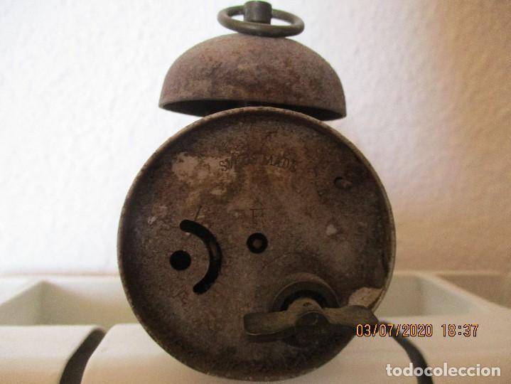 Despertadores antiguos: reloj despertador marca meta. Suizo. - Foto 3 - 210335068