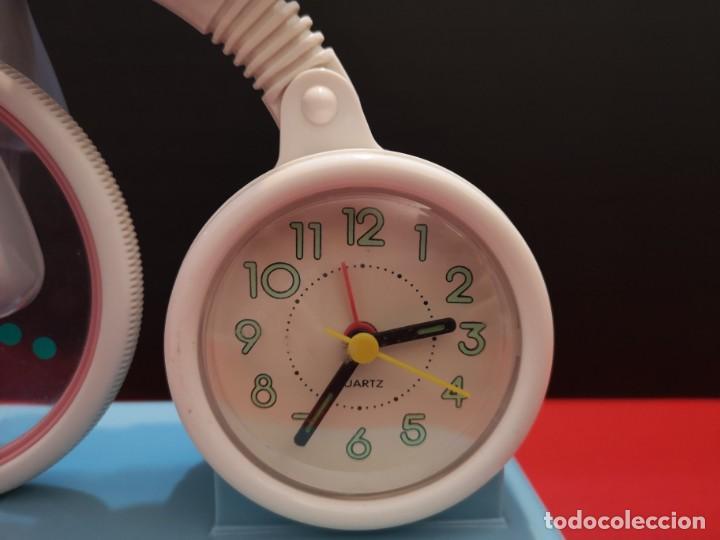 Despertadores antiguos: Antiguo reloj despertado de payaso funcionando. Vintage - Foto 3 - 210415498