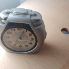 Despertadores antiguos: DESPERTADOR PLASTICO GRIS. Lote 212321893