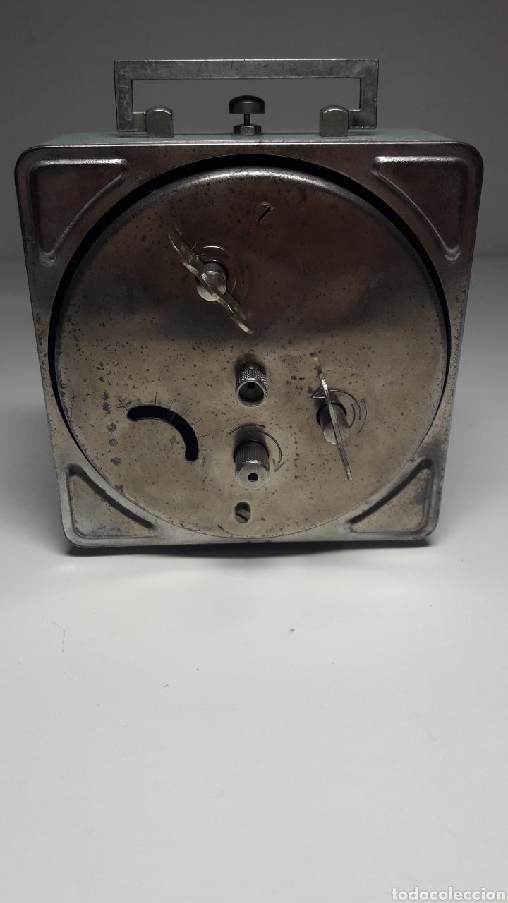 Despertadores antiguos: Antiguo reloj despertador de cuerda revisado - Foto 4 - 213207711