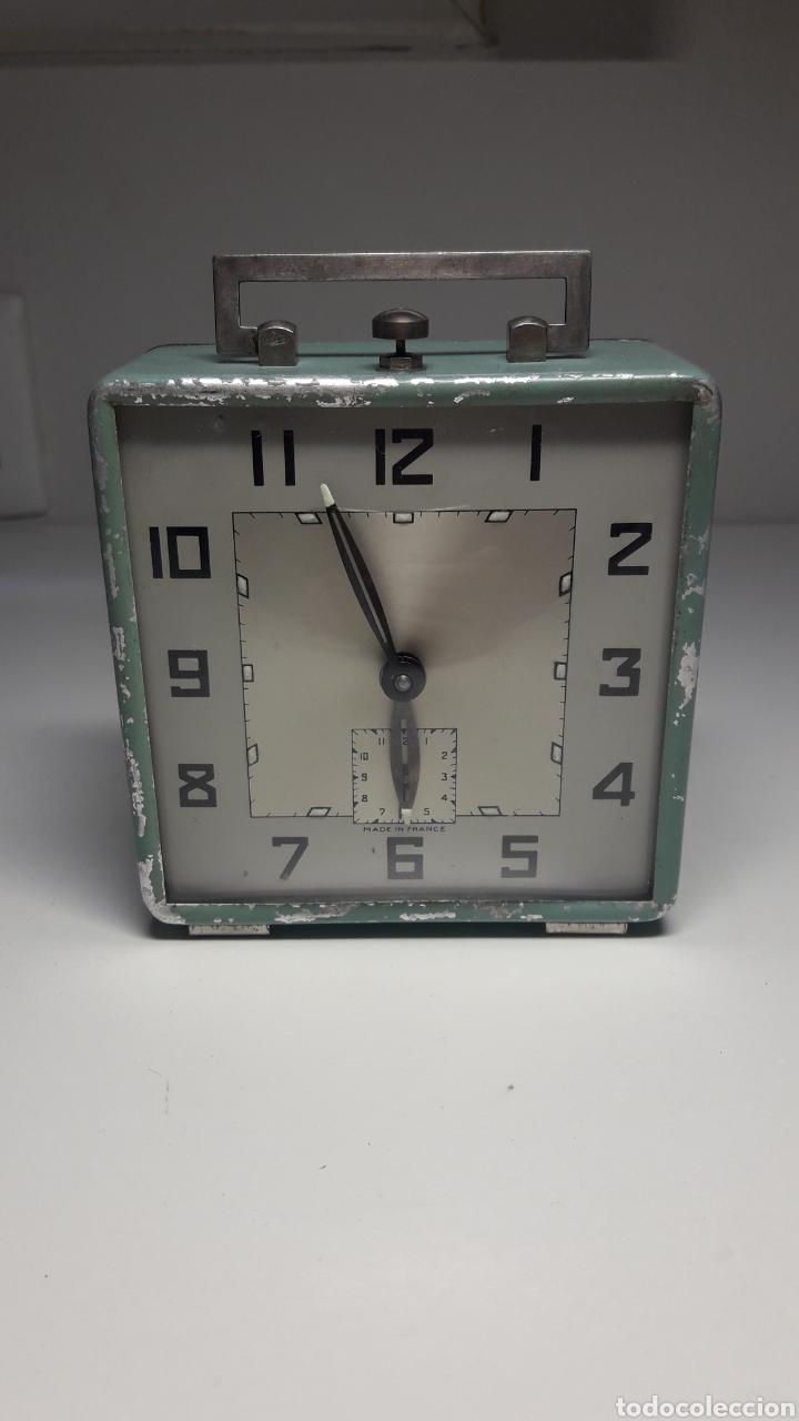 Despertadores antiguos: Antiguo reloj despertador de cuerda revisado - Foto 2 - 213207711