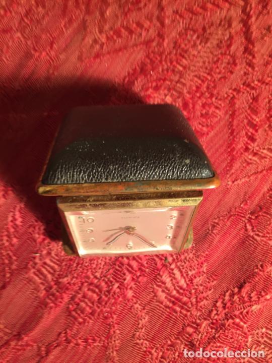 Despertadores antiguos: Antiguo reloj despertador marca Europa plegable para viaje años 60 - Foto 2 - 213487550