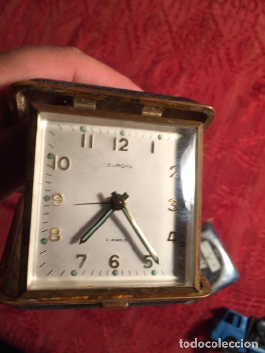 Despertadores antiguos: Antiguo reloj despertador marca Europa plegable para viaje años 60 - Foto 3 - 213487550