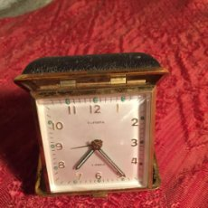 Despertadores antiguos: ANTIGUO RELOJ DESPERTADOR MARCA EUROPA PLEGABLE PARA VIAJE AÑOS 60. Lote 213487550