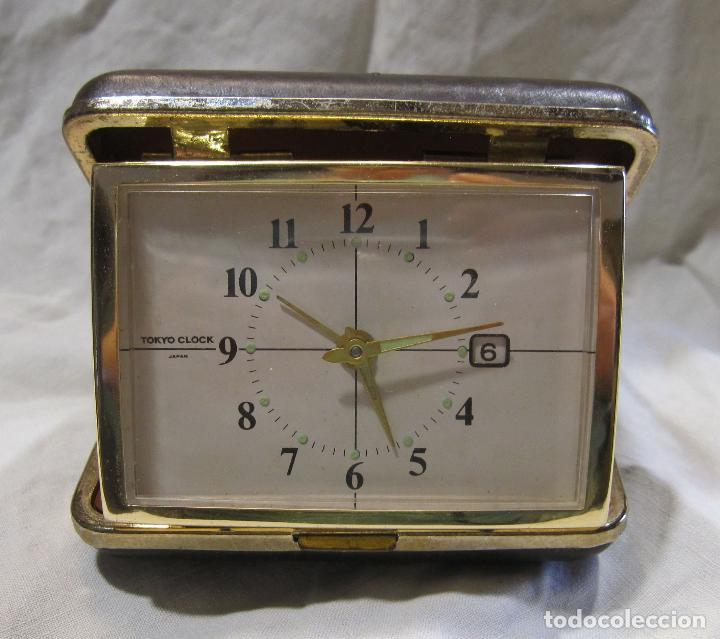 Despertadores antiguos: RELOJ DESPERTADOR DE VIAJE. VINTAGE. TOKYO CLOCK. EN FUNCIONAMIENTO. 3 X 7,5 X 10 CM (CERRADO) - Foto 2 - 214444232