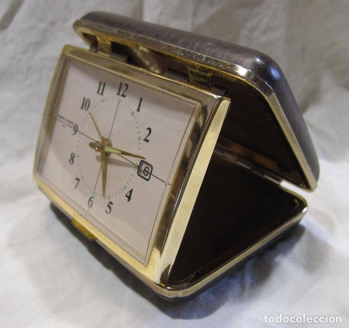 RELOJ DESPERTADOR DE VIAJE. VINTAGE. TOKYO CLOCK. EN FUNCIONAMIENTO. 3 X 7,5 X 10 CM (CERRADO) (Relojes - Relojes Despertadores)