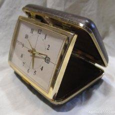 Despertadores antiguos: RELOJ DESPERTADOR DE VIAJE. VINTAGE. TOKYO CLOCK. EN FUNCIONAMIENTO. 3 X 7,5 X 10 CM (CERRADO). Lote 214444232