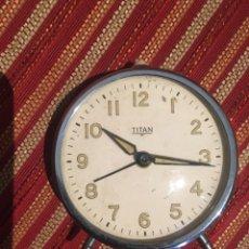 Despertadores antiguos: RELOJ DESPERTADOR TITÁN PARA REPARAR. Lote 214463501