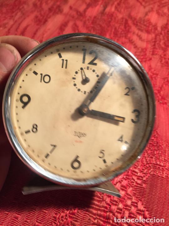 Despertadores antiguos: Antiguo despertador marca Titan de los años 60 - Foto 6 - 215043767