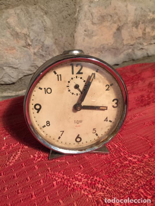 ANTIGUO DESPERTADOR MARCA TITAN DE LOS AÑOS 60 (Relojes - Relojes Despertadores)