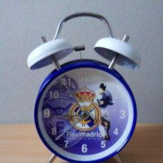 Despertadores antiguos: RELOJ DESPERTADOR DEL REAL MADRID. Lote 217256157