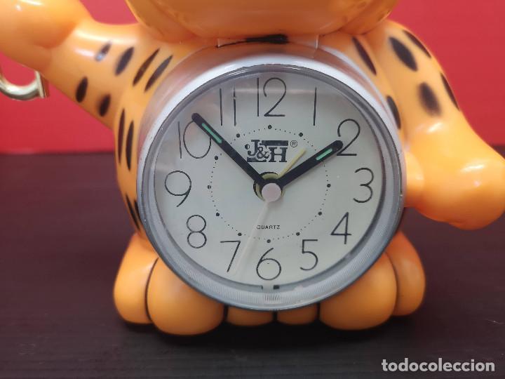 Despertadores antiguos: Reloj despertador en forma de gato, fake garfield. vintage años 80. No funciona - Foto 2 - 220609746