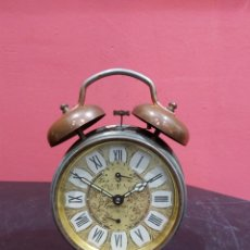 Despertadores antiguos: RELOJ DESPERTADOR JAZ DE MATERIAL BRONCE ANTIGUA. Lote 222077981