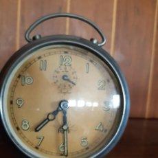 Despertadores antiguos: ANTIGUO RELOJ DE CUERDA MANUAL.--ALBA--ZAFIRO.. Lote 222217120