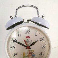 Despertadores antiguos: RELOJ DESPERTADOR ANIMADO BOXEADORES HELM BRAND SHANGHAI AÑOS 80// VINTAGE RETRO BLANCO. Lote 222357120