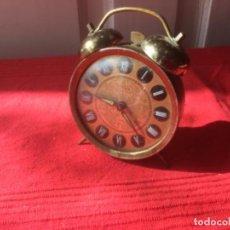 Despertadores antiguos: BONITO RELOJ DESPERTADOR TITÁN. Lote 222651667