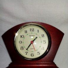 Despertadores antiguos: RELOJ DESPERTADOR DE MADERA MARCA OLIMPUS. Lote 223764368