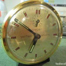 Despertadores antiguos: RELOJ DESPERTADOR PETER CARGA MANUAL. Lote 224899452