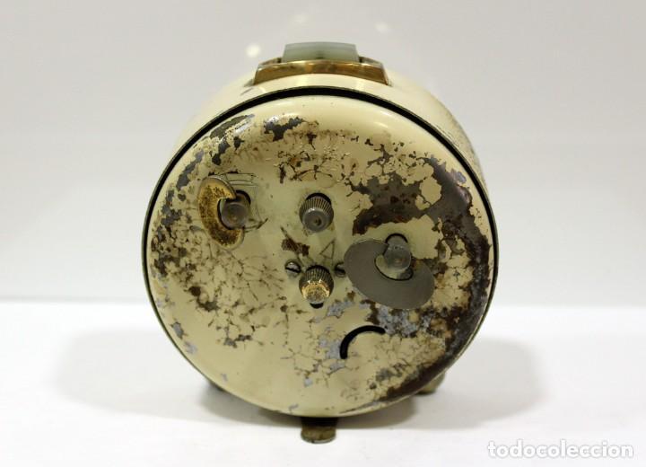 Despertadores antiguos: Reloj despertador MICRO 2 JEWELS. - Foto 5 - 228007945