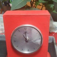 Despertadores antiguos: RELOJ OMEGA , PILAS. Lote 229598315