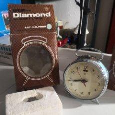 Despertadores antiguos: RELOJ DESPERTADOR VINTAGE DIAMOND DE CUERDA CARGA MANUAL AÑOS 60 EN SU CAJA. Lote 231800305