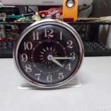 Despertadores antiguos: RELOJ DESPERTADOR A CUERDA ANTIGUO. Lote 236421920