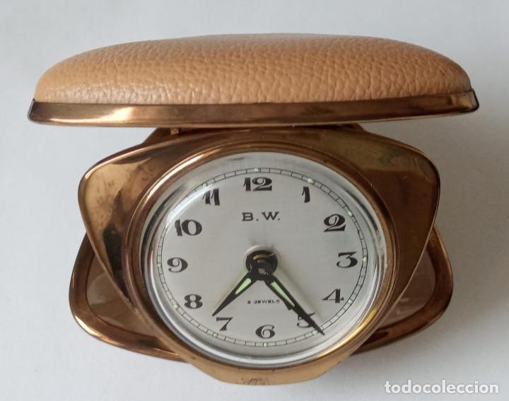 RELOJ DESPERTADOR PLEGABLE DE VIAJE B.W. 2 JEWELS. JAPAN. AVERIADO. RARO EN FORMA DE CONCHA. (Relojes - Relojes Despertadores)