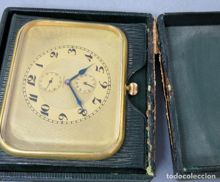 Despertadores antiguos: Reloj despertador de viaje portatil Longines segundero a las doce con estuche de piel siglo XX - Foto 7 - 237511470