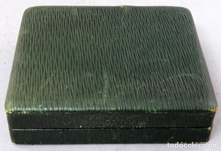 Despertadores antiguos: Reloj despertador de viaje portatil Longines segundero a las doce con estuche de piel siglo XX - Foto 8 - 237511470