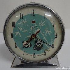 Despertadores antiguos: RELOJ DESPERTADOR MARCA SHANGHAI, CHINA AÑOS 70-80. Lote 246551850