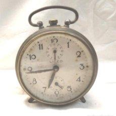 Despertadores antiguos: LICEO RELOJ DESPERTADOR AÑOS 40, CARGA MANUAL, FUNCIONA. MED. 9,50 X 10 CM. Lote 247660400