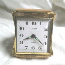 Despertadores antiguos: CITIZEN RELOJ DESPERTADOR VIAJE, CARGA MANUAL, FUNCIONA AÑOS 50. MED. 7 X 7 CM. Lote 247660495