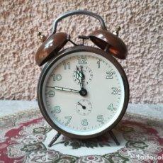 Despertadores antiguos: ANTIGUO DESPERTADOR MARCA JAZ - FUNCIONAL -. Lote 246845190