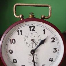 Despertadores antiguos: ANTIGUO RELOJ DESPERTADOR JUNGHAS, TEMPO , AÑOS 50. Lote 255413820